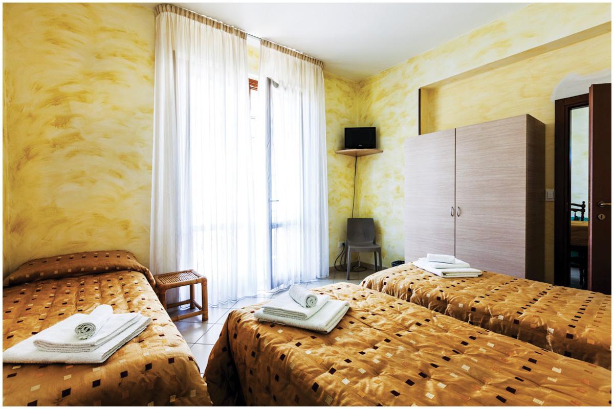 Camera matrimoniale + letto con bagno privato